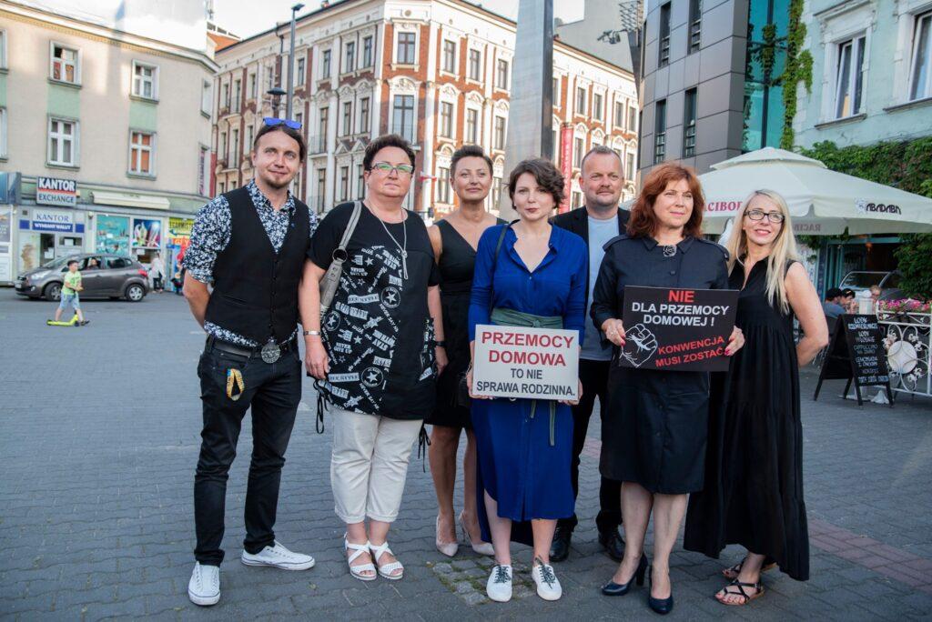 STOP Wypowiedzeniu Konwencji Stambulskiej | Monika Rosa