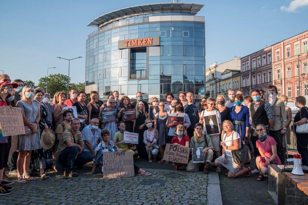 STOP Wypowiedzeniu Konwencji Stambulskiej   Monika Rosa