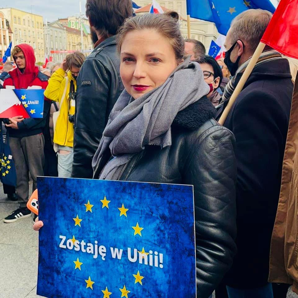 Szlaban dla PiS, My zostajemy w Unii Europejskiej   Monika Rosa